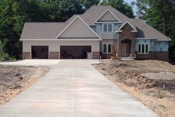 residential-concrete-driveway-home