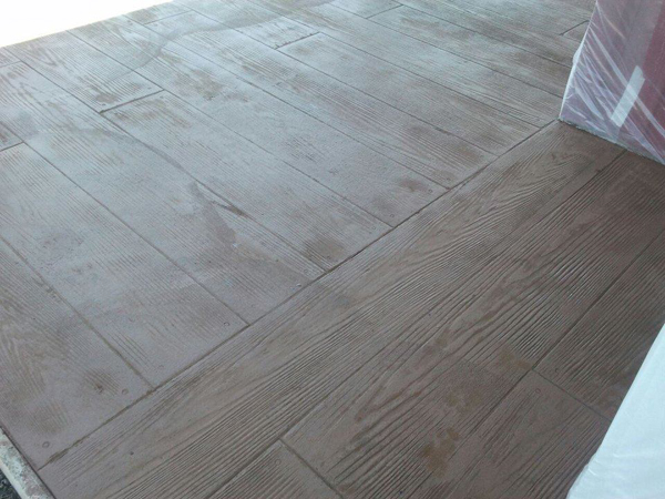 wood-colored-concrete-flooring